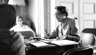 Hannah Arendt em sala de aula (Reprodução)
