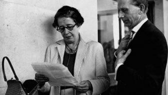 Hannah Arendt durante o julgamento de Adolff Eichmann em 1960