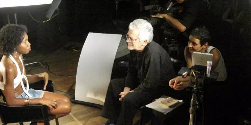 Eduardo Coutinho, durante gravações do filme Jogo de Cena, em 2007