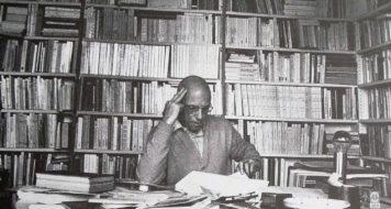 O filósofo francês Michel Foucault em seu escritório (Bruno de Monès/ Latinstock)