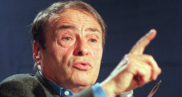 O sociólogo Pierre Bourdieu (Pierre Verdy/ Getty Images)