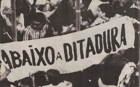 """""""Temos que permanecer mobilizados para garantir a consolidação da democracia"""""""