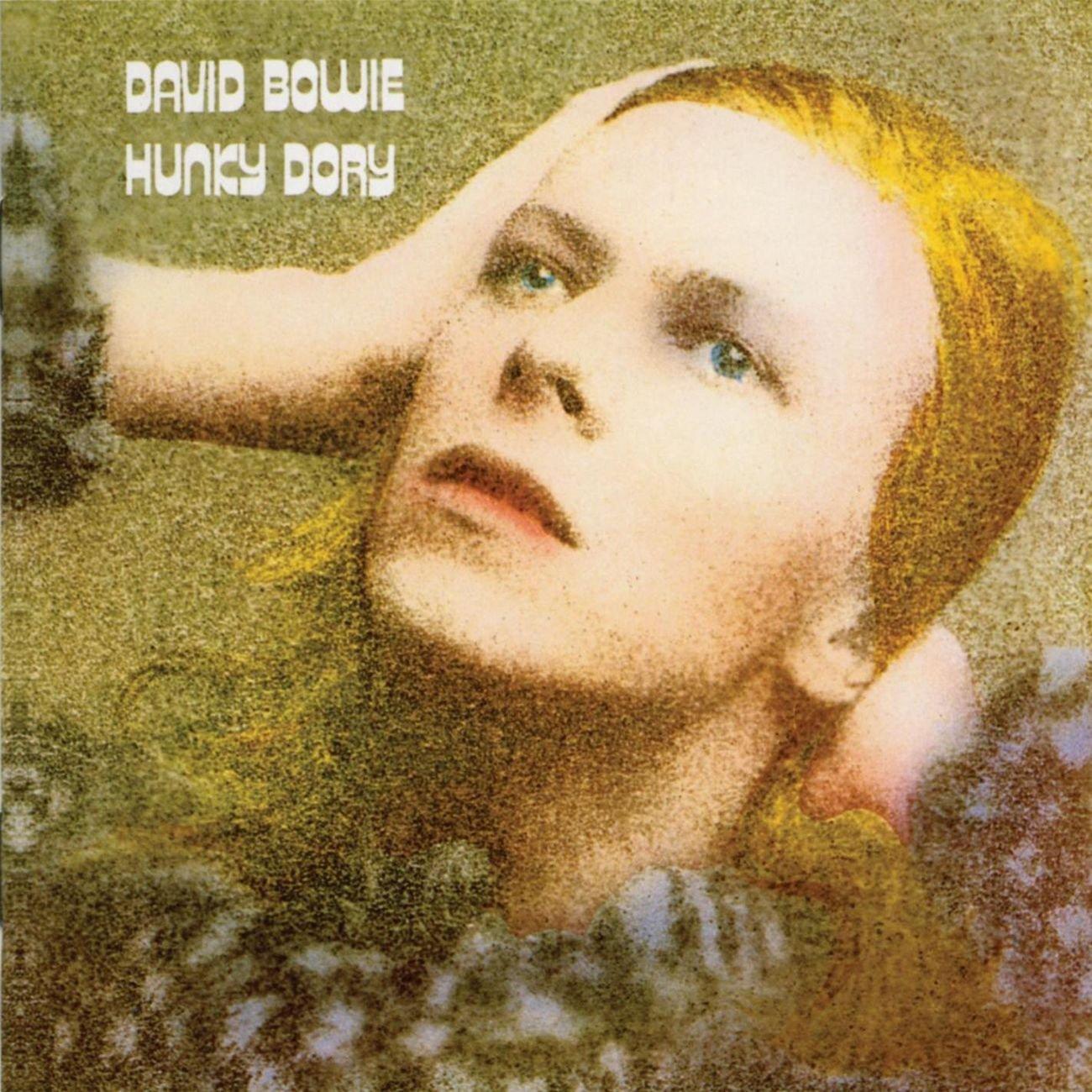 Hunky Dory (1971): Instantaneamente, o álbum foi aclamado pela crítica como um dos melhores trabalhos de Bowie - a revista Time o incluiu na lista dos cem melhores discos de todos os tempos
