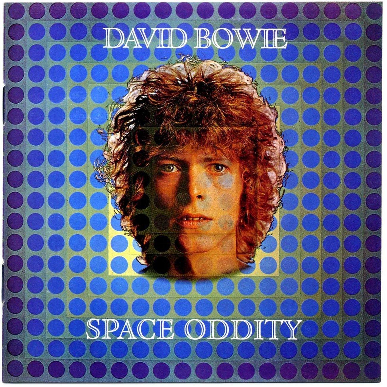 Space Oddity (1969): É o segundo disco em estúdio do músico