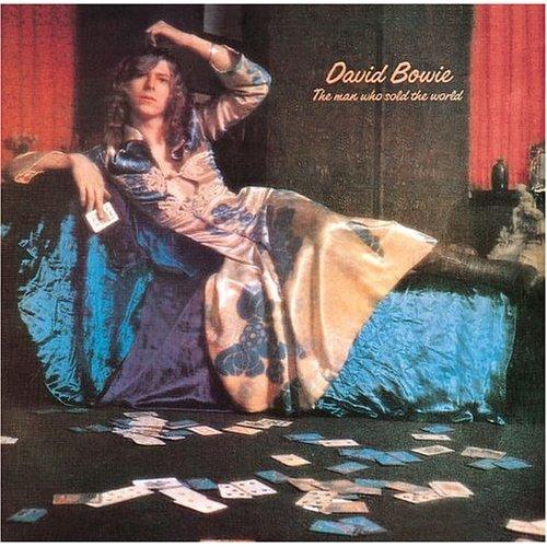 """The Man Who Soul The World (1970): Apesar de não ser um disco de grandes hits, ele é considerado o início do período """"clássico"""" de Bowie, com sonoridades que vão do hard rock ao folk psicodélico"""