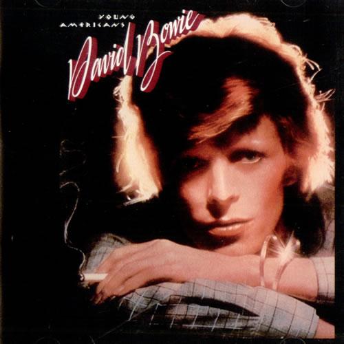 Young Americans (1975): Um dos primeiros passos de Bowie para longe do glam rock que o tornou um ícone da música contemporânea