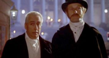 Barthes, no papel do romancista inglês William Thackeray no filme 'As irmãs Brontë', de André (Téchiné/Divulgação)