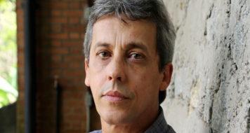 O poeta Joãpo Bandeira (Foto Ninil Goncalves / Reprodução)