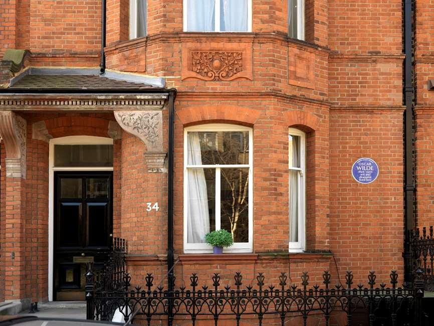 Tite Street, 34, em Kensington, Londres. Onde Oscar Wilde viveu com sua esposa e filhos até o julgamento por pederastias em  1895(Crédito: Historic England)