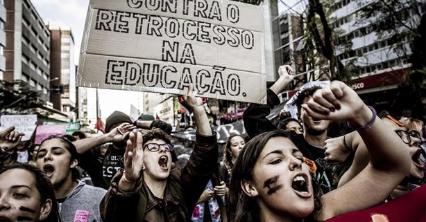 Primavera secundarista leva 5 mil manifestantes às ruas de Curitiba/Leandro Taques/Jornalistas Livres/