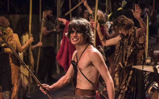 """Roderick Himeros como Pã durante encenação de """"As bacantes"""" (Foto: Bob Sousa)"""