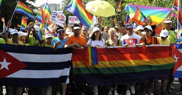 A partida de Fidel e a homofobia em Cuba