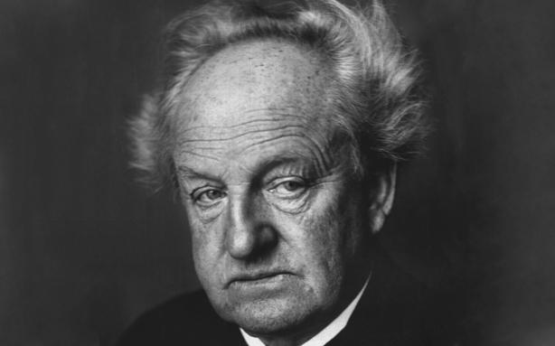 O escritor naturalista Gerhart Hauptmann (Foto: reprodução)