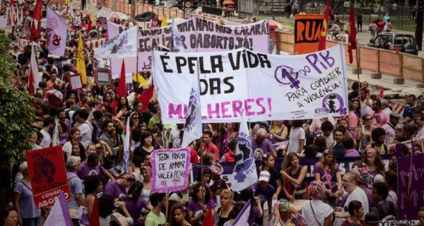 Manifestação no Dia Internacional da Luta das Mulheres em São Paulo, 2015 (Foto: Roberto Parizotti)