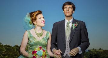 A fotógrafa Suzanne Heintz e seu marido manequim Chauncey para a série 'Os votos', de 2014 (Foto Polaris Images / Divulgação)