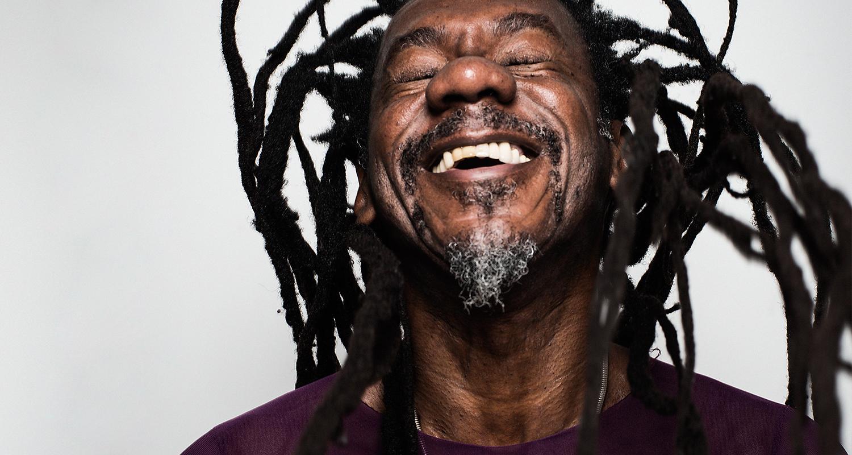 'Achavam que a gente era louco com aquele tipo de poesia', diz Jards Macalé sobre Luiz Melodia
