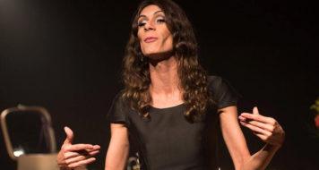 Renata Carvalho em versão do texto da escocesa Jo Clifford, 'O Evangelho Segundo Jesus, Rainha do Céu' (Foto Bob Sousa / Divulgação)