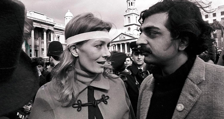 Vanessa Redgrave e Tariq Ali em protesto contra a Guerra do Vietnã em Londres,, 1968 (Divulgação)