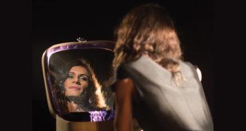 A atriz Renata Carvalho no papel de Jesus Cristo na peça 'O evangelho segundo Jesus, rainha do céu', de Natalia Mallo (Foto Bob Sousa)