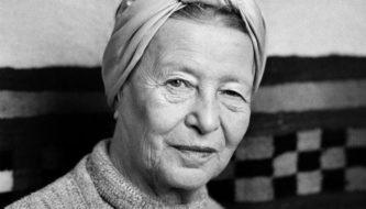 Simone de Beauvoir em 1983 (Foto: Michele Bancilhon/ Reprodução)
