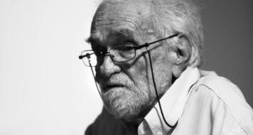 Benedito Nunes no Colóquio de Fotografia e Imagem, realizado em Belém, em novembro de 2010 (Foto Octavio Cardoso)