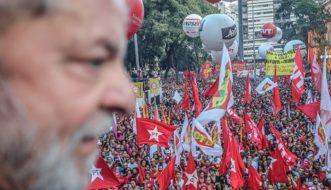 Lula em ato na praça da República, em São Paulo (Foto: Ricardo Stuckert)