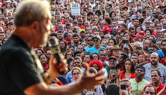 Como seria o julgamento de Lula se estivéssemos em uma democracia?