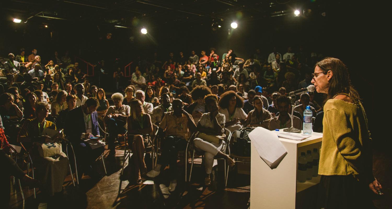 Acadêmicos, artistas e ativistas debatem descolonização em Salvador