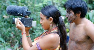 O Vídeo nas Aldeias dedica-se, desde 1986, à formação de cineastas indígenas (Divulgação)