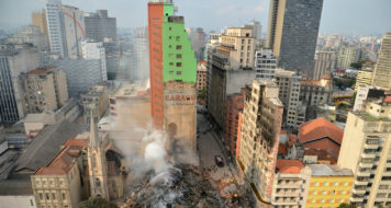 Destroços do edifício que desabou no Largo do Paissandu, centro de São Paulo (Rovena Rosa/ Agencia Brasil)