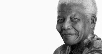 Estante CULT: Nelson Mandela (Foto Andrew Zuckerman / Divulgação)