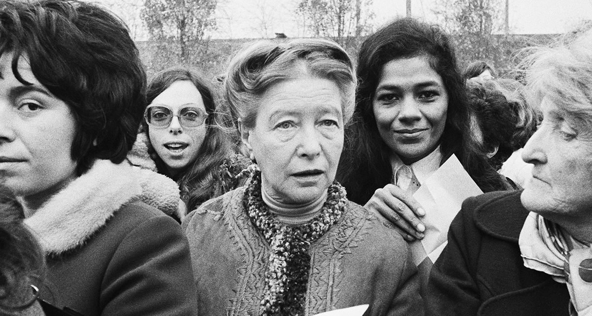 Em 1972, em protesto em Bobigny, contra o julgamento de garota menor de idade que fez um aborto com a ajuda de sua mãe