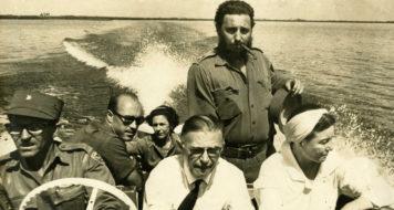 Simone de Beauvoir com Fidel Castro e Sartre em visita a Cuba, em 1960;