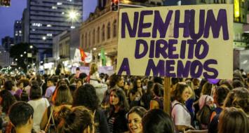 Protesto de mulheres em Curitiba, em 8 de Março de 2018 (Foto: Mídia Ninja/Reprodução)