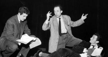 Albert Camus no Festival de Arte Dramática de Angers (Foto Bettman/CORBIS)
