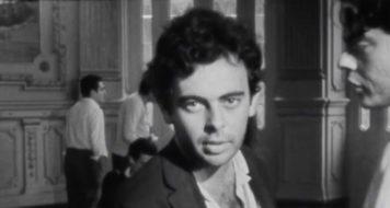 """Glauber Rocha durante as filmagens de """"Terra em Transe"""", registrado por Joaquim Pedro de Andrade em 1967 (Reprodução)"""