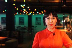A diretora britânica Orla O'Loughlin apresenta espetáculo no Cultura Inglesa Festival (Reprodução)