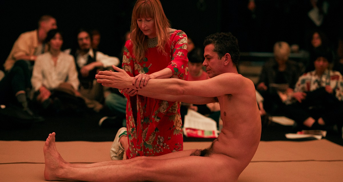 Wagner Schwartz apresenta performance La Bête no Palais de Tokyo, em Paris (Foto: Ayka Lux)