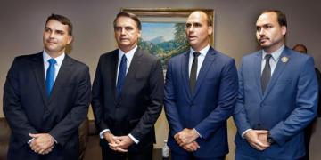 Os Bolsonaros Roberto Jayme-Ascom-TSE