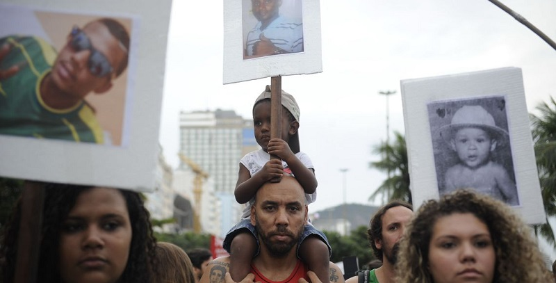 Um brasão, múltiplos significados: violência policial e o país que queremos construir