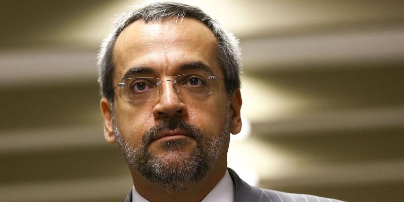 Por que Bolsonaro não quer demitir Weintraub?