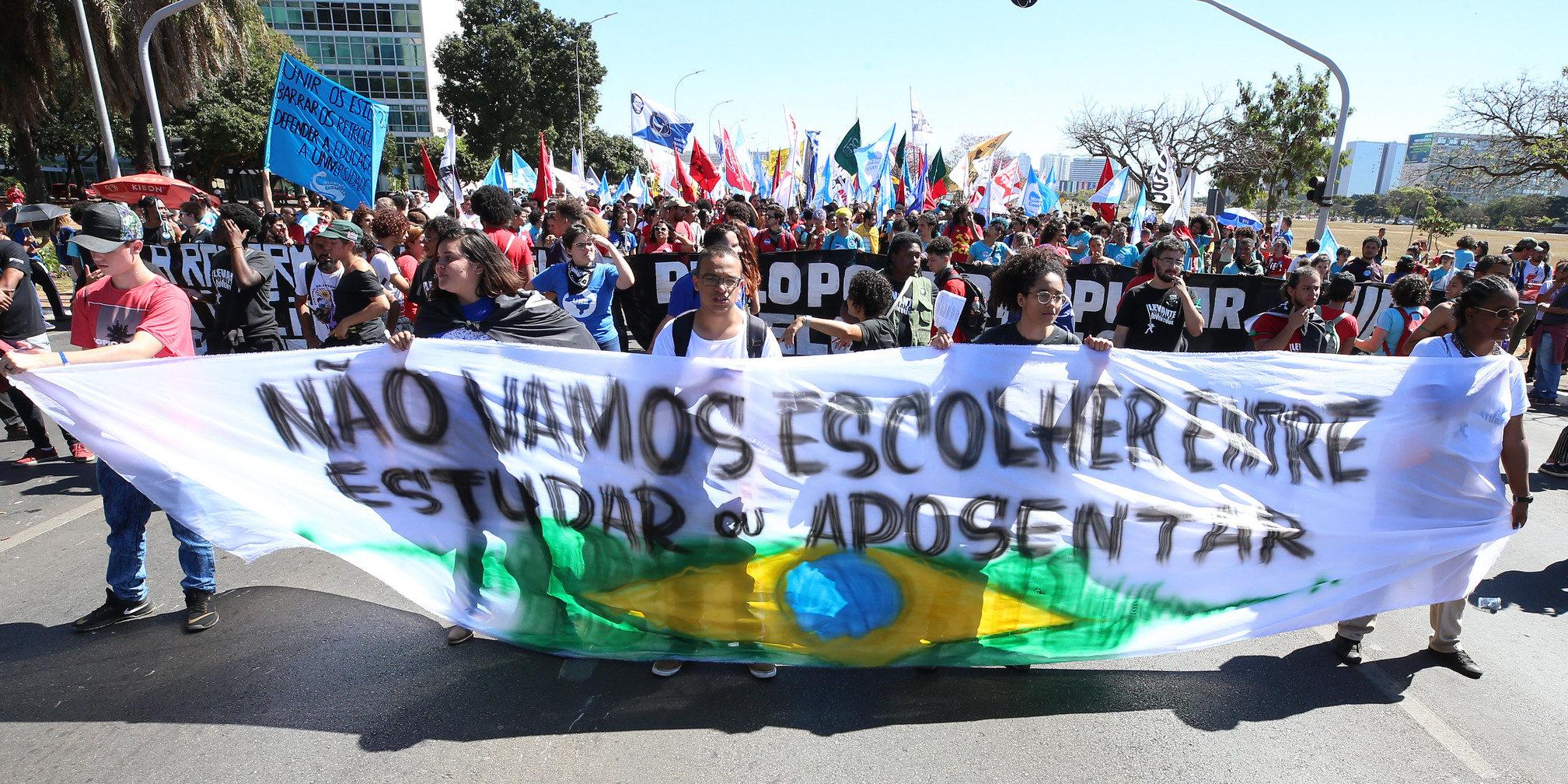 A liberdade de expressão no trabalho diante da atual conjuntura política no Brasil