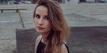 A cineasta Petra Costa (Foto: Diego Bresani)