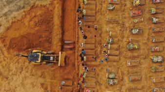 Manaus 13 05 2020-Sepultamentos de pessoas no cemitério N.S. Aparecida em Manaus (Foto: Fernando Crispim/Amazônia Real)