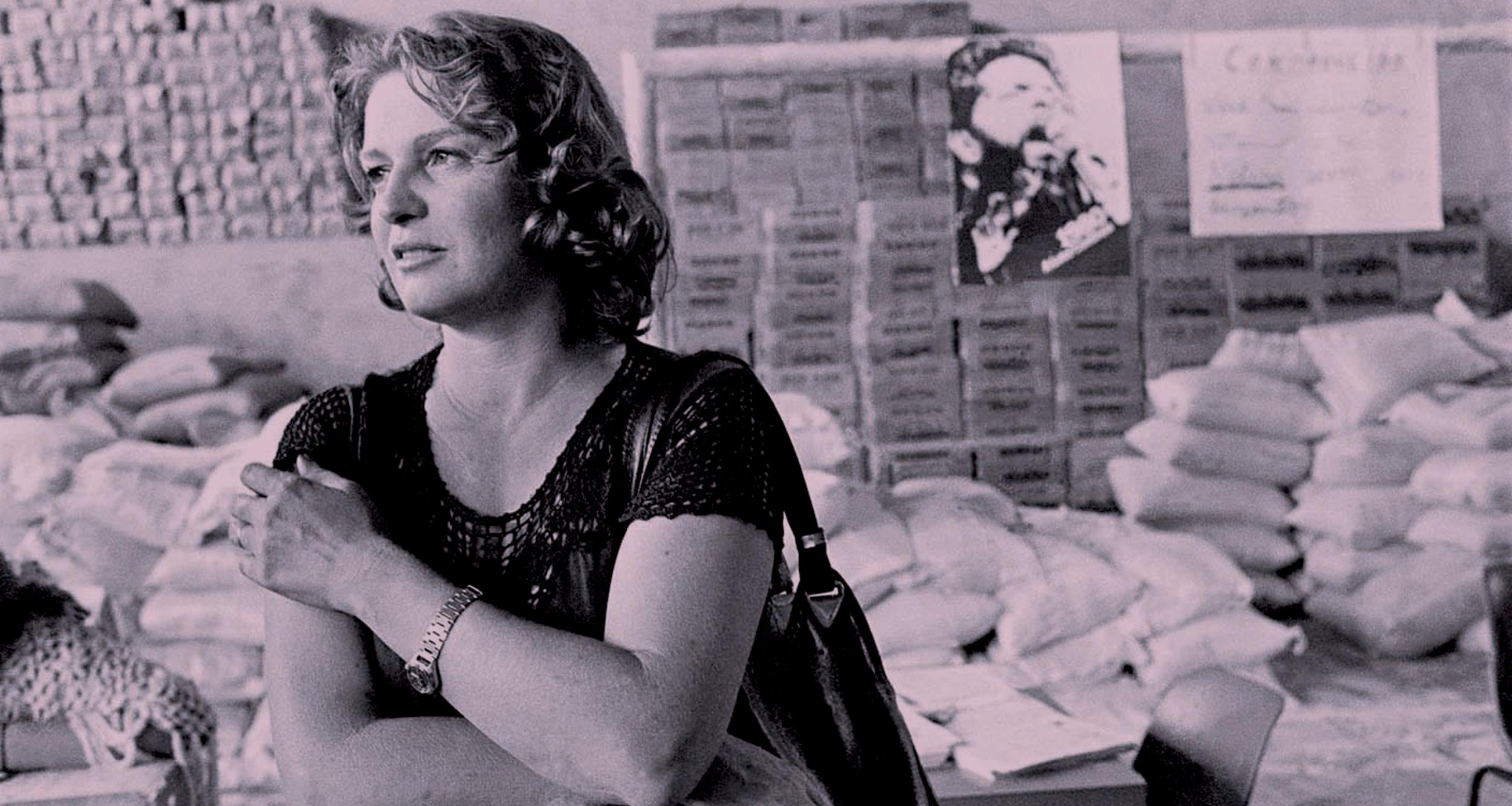 Marisa visita o fundo de greve, na Igreja Matriz de São Bernardo, em 1980. Foto: Nair Benedicto.