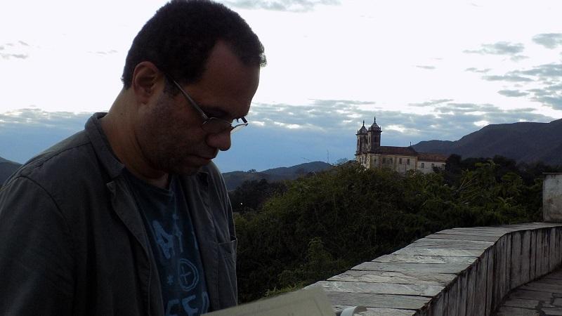 Notícias de outras ilhas: André Luiz Pinto