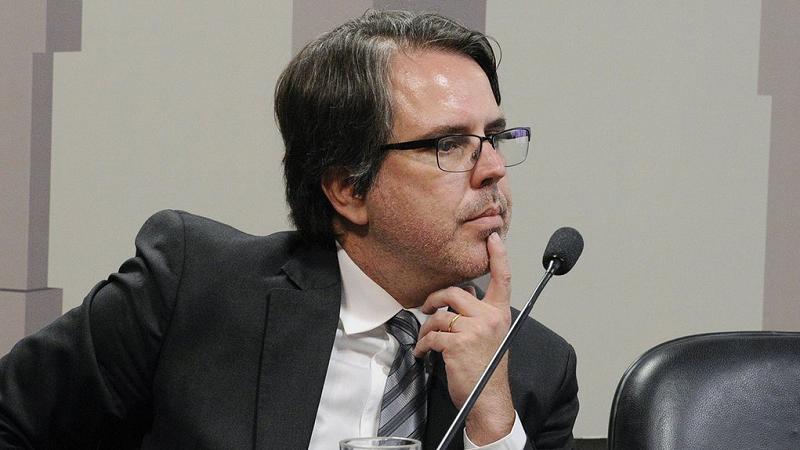É difícil ser fácil: sobre 'Bolsonaro: o mito e o sintoma', de Rubens Casara