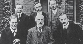 Sigmund Freud, Stanley Hall, Carl Gustav Jung, Abraham Brill, Ernest Jones, Sandor Ferenczi, na Universidade de Clark, em Massachusetts