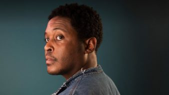 Danez Smith (Foto: Richard Saker/ Divulga Bazar do Tempo)