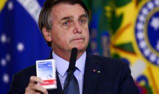 O presidente Jair Bolsonaro durante cerimônia de posse do ministro da Saúde, Eduardo Pazuello, no Palácio do Planalto.